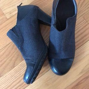 Aero soles grey and black booties